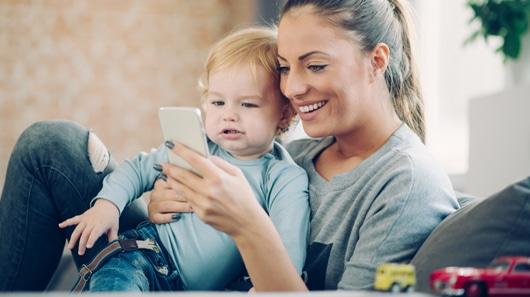 Smartphone wil aandacht, maar kinderen ook